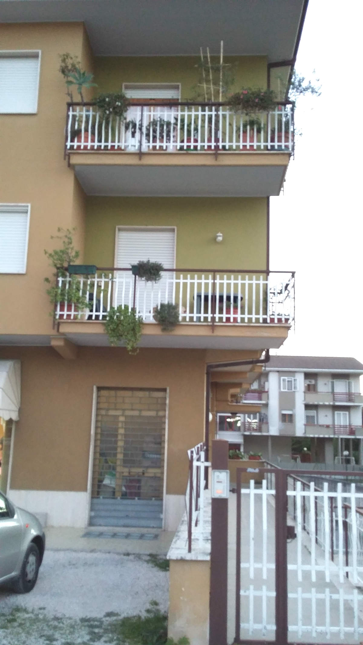 Rieti appartamento con garage (Rif.1791)