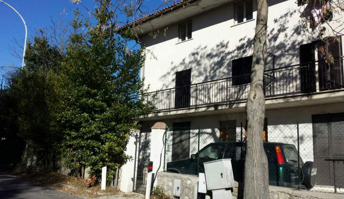 Rieti-Monte San Giovanni: appartamento con giardino