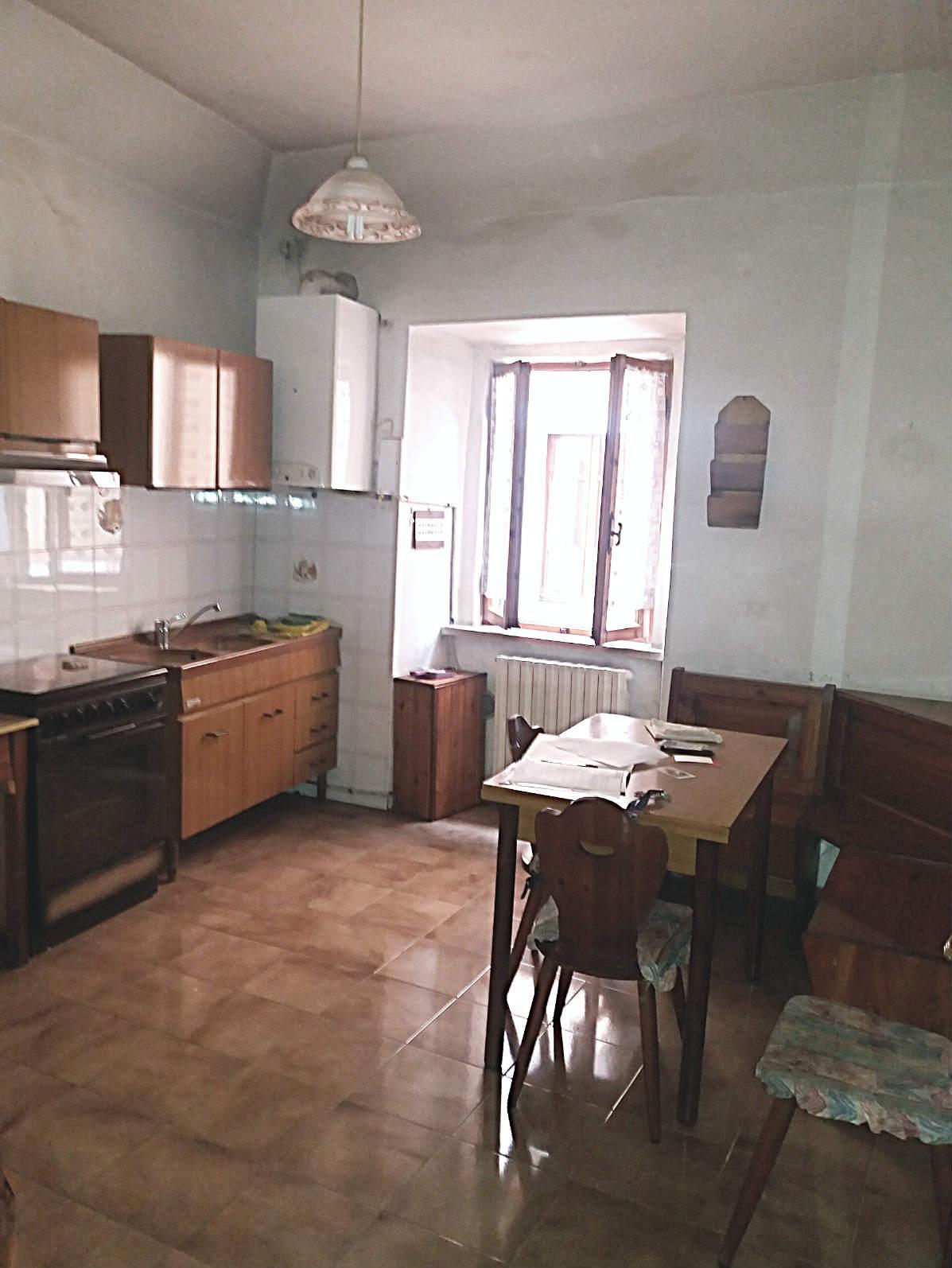 Rieti – Centro storico – Appartamento due camere (Rif. 1927)