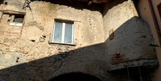 Appartamento con due camere da ristrutturare a Cittaducale (Rif.1964)