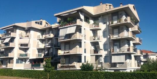Rieti – Campoloniano : Affitto garage e magazzino (Rif. 1962)