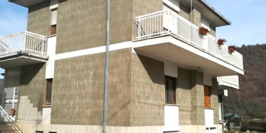 Rieti – Casette : Appartamento con piccolo terreno(Rif.1973)