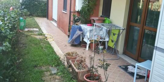 Rieti-V.A.M.Ricci: Appartamento con giardino(Rif.1999)
