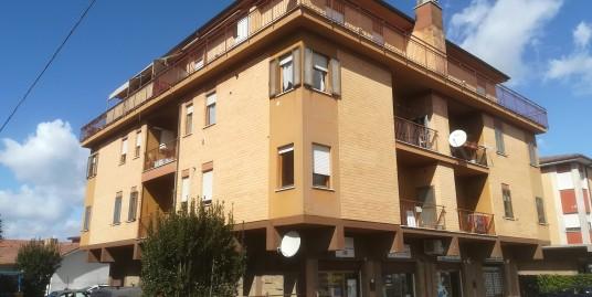 Rieti-P.zza Tevere : Appartamento tre camere (Rif.1981)