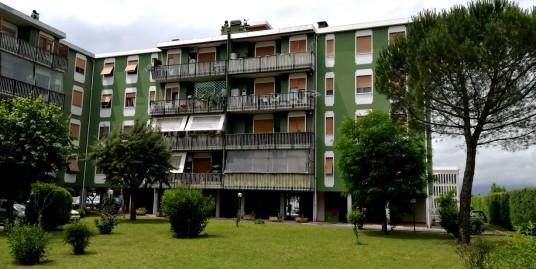 Rieti:-P.zza Tevere:Appartamento tre camere(Rif.2014)