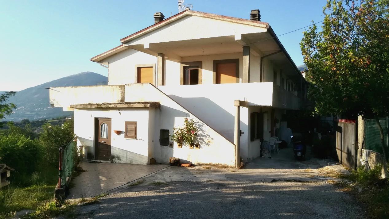 Cantalice – Loc. Civitella : Semindipendente con terrazzo panoramico(Rif.2019)