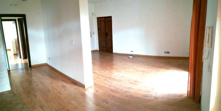IMG_20cucina e sala senza mobili
