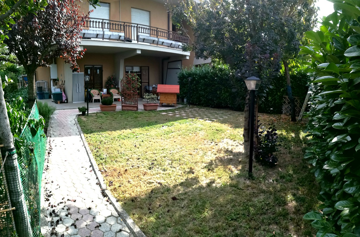 Rieti-Mad. Del Cuore:Appartamento con giardino(Rif.2034)
