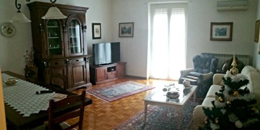 Rieti:V.A.M.Ricci:Appartamento con tre camere(Rif.2046)
