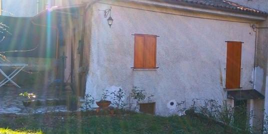 Appartamento con ingresso indipendente (Rif.2056)
