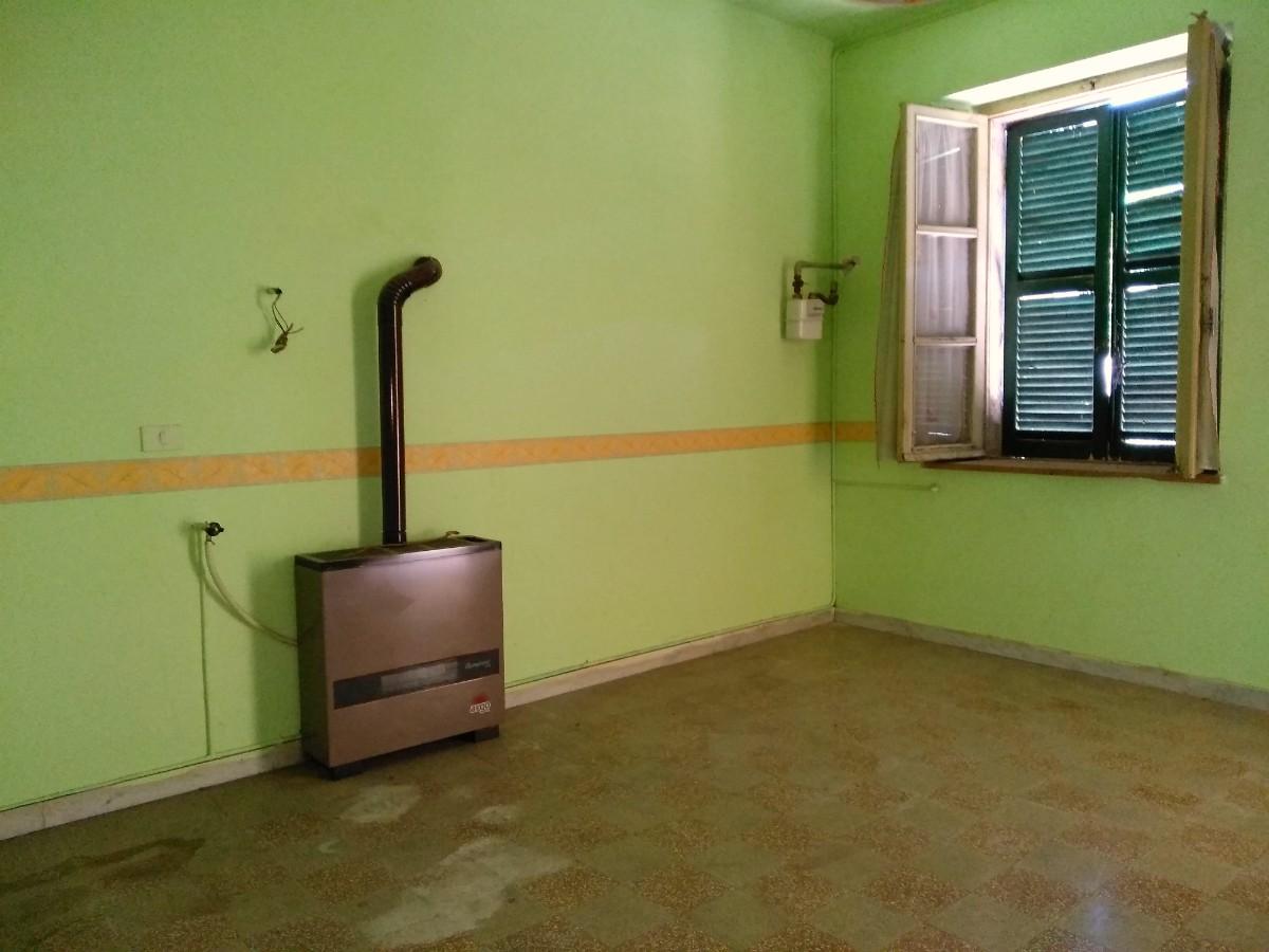 Appartamento a Villa Reatina da ristrutturare (Rif.2076)