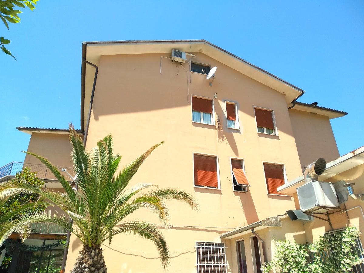 Appartamento mansardato a Contigliano (Rif.2089)