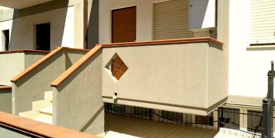Appartamento con ingresso indipendente a Quattrostrade in affitto (Rif.2095)