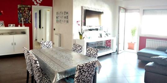 Rieti-Campoloniano:Appartamento tre camere(Rif.2092)