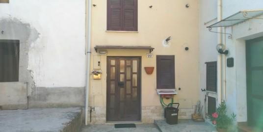 Appartamento con ingresso indipendente a Case S.Benedetto (Rif.2102)