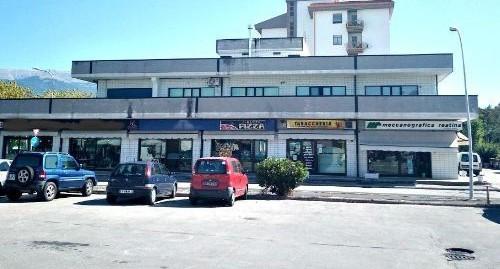 Rieti-V.De Juliis: Loc. Commerciale-Magazzino in affitto(Rif.2104)