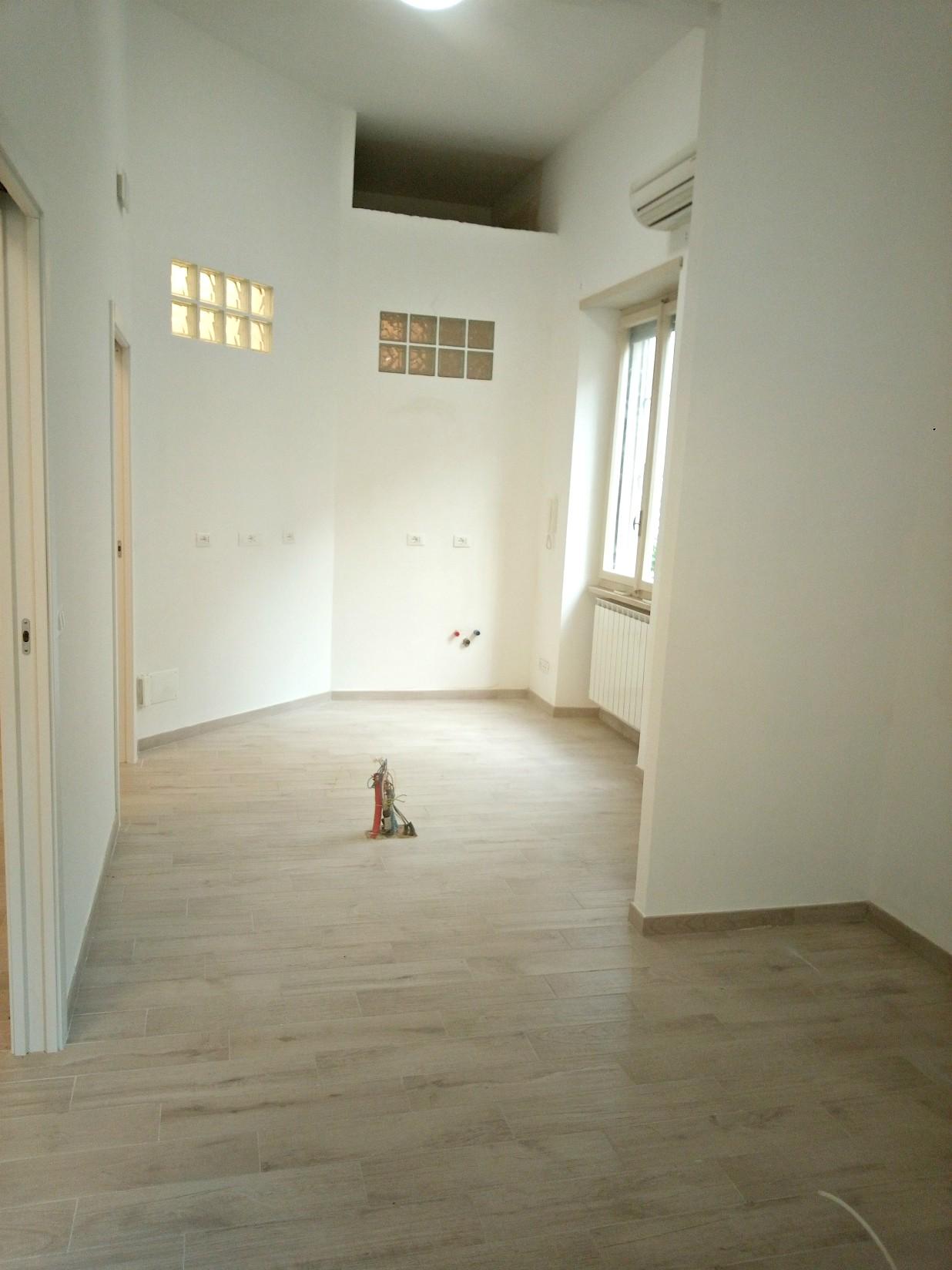 Rieti-Zona Flavi:Ufficio due stanze(rif.2147)