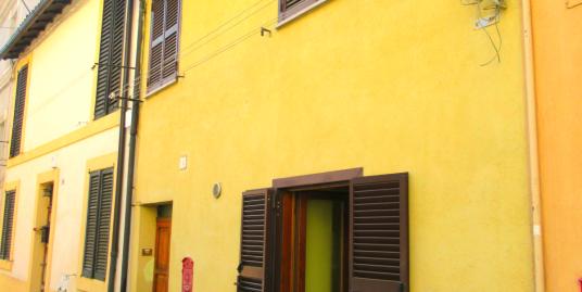 CENTRO STORICO: Appartamento arredato al Centro Storico (Rif.2161)