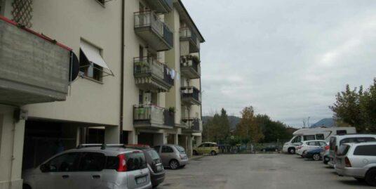 Zona Micioccoli appartamento con tre camere in ottimo stato (Rif.2184)