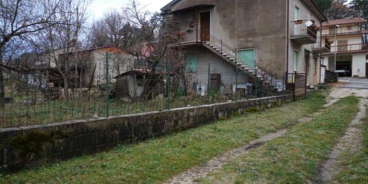 Cantalice appartamento con ingresso indipendente di circa 86 mq ( Rif.2194)