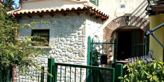 Rieti-Case S.Benedetto: Affitto cielo-terra con giardino(Rif.2105)