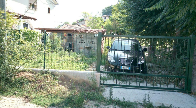 corte con cancello