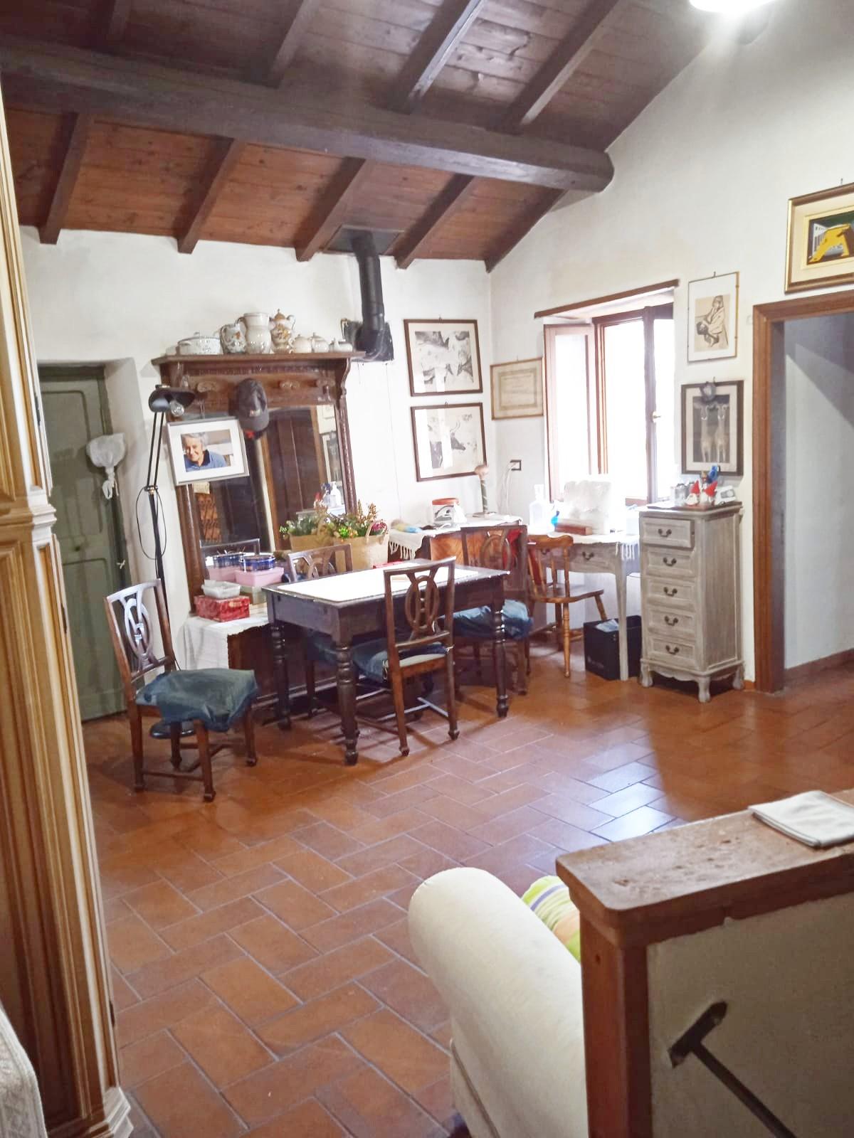 Greccio: Appartamento indipendente su due livelli (Rif.2230)