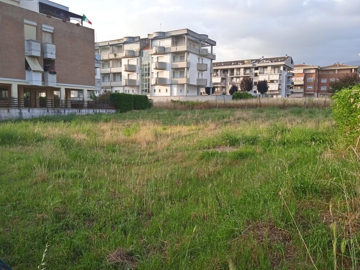 Rieti-Campoloniano:Terreno edificabile(Rif.2238)