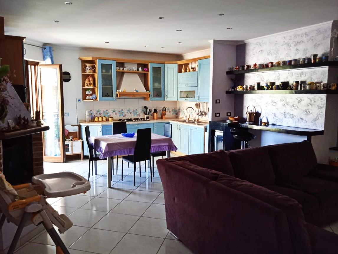 Rieti-Casette: Appartamento con terrazzo e giardino (Rif.2235)