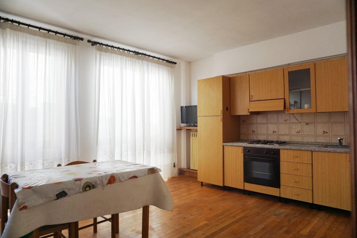 RIETI-CENTRO STORICO: Appartamento luminoso  (Rif.2248)