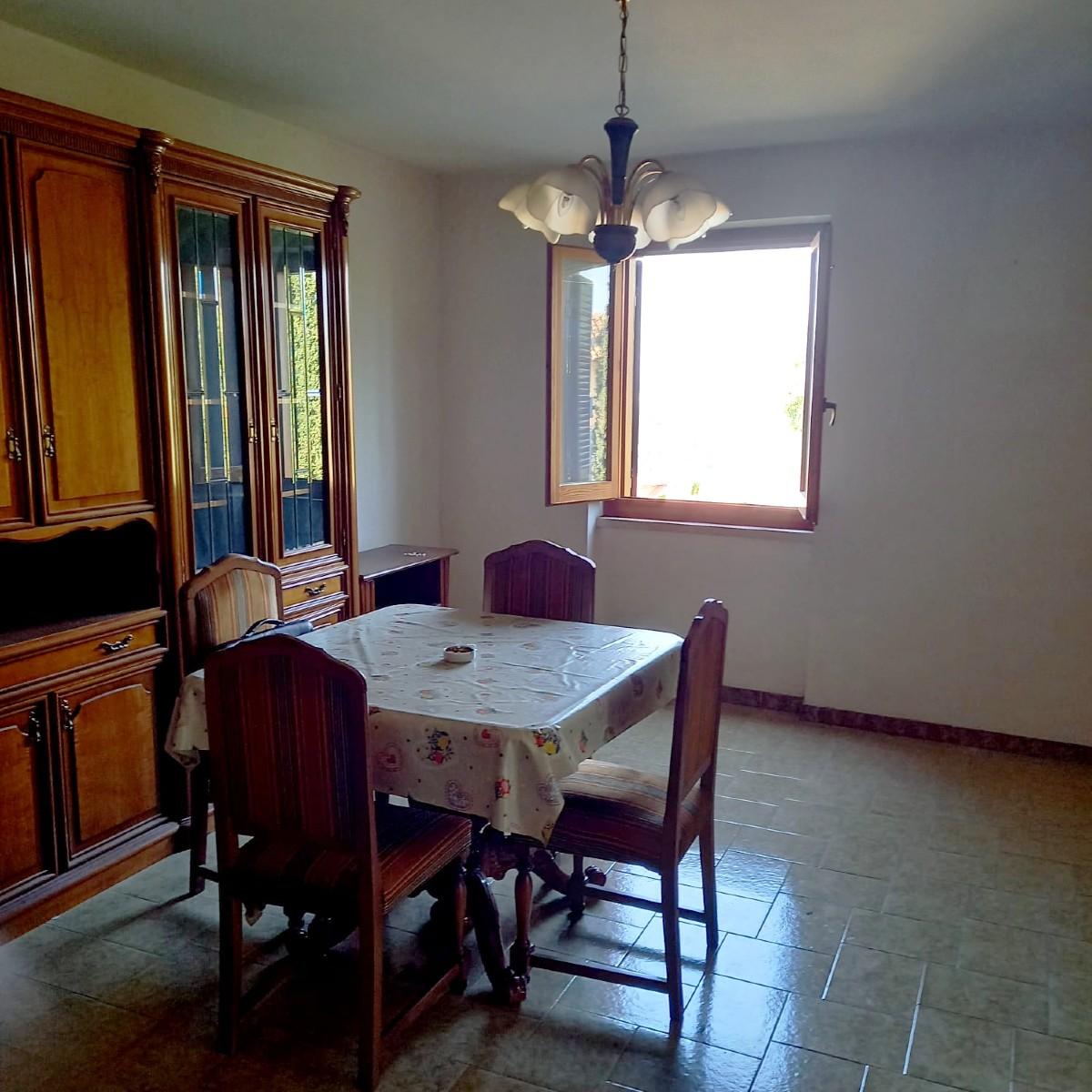 Monteleone Sabino appartamento con piccolo giardino di proprietà (Rif.2262)
