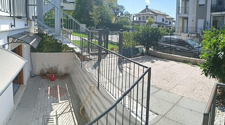 facciata e giardino (1)