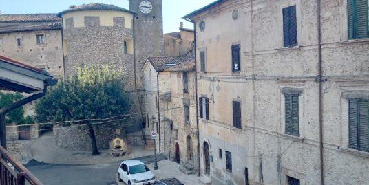 TORRICELLA IN SABINA Appartamento di circa 75 mq con mansarda da rifinire (Rif.2275)